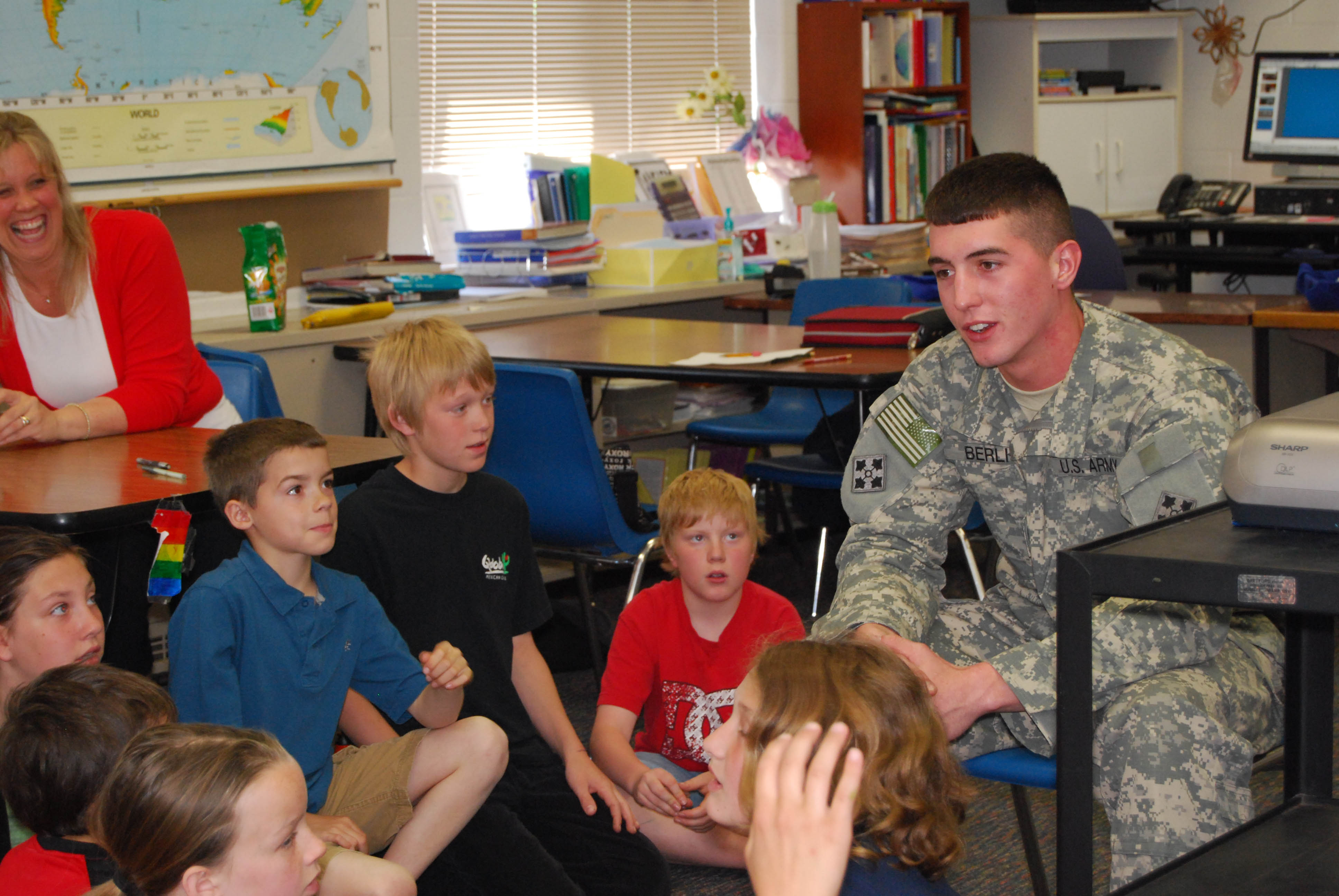 Soldier shares birthday with Lakes pen pals | The Rockford Squire