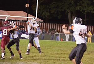 Rockford quarterback Taylor Masiewicz (#11)