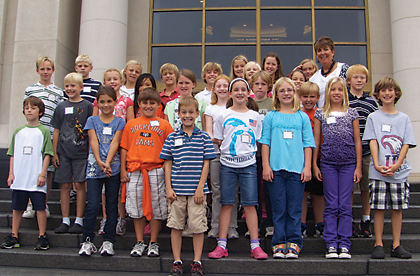 Mrs. Grifhorst's class from Crestwood Elementary School poses