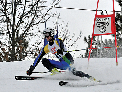 Taylor Noakes skis to an 11-place finish in giant slalom for the Rams.