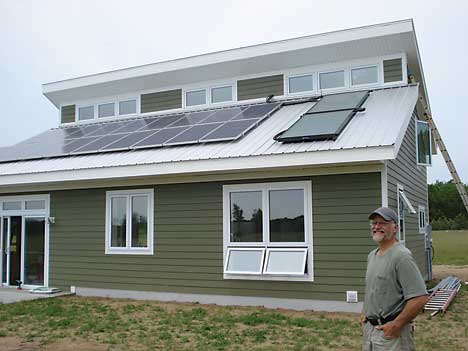 Rockford man builds state 39 s most energy efficient house for Small energy efficient home plans